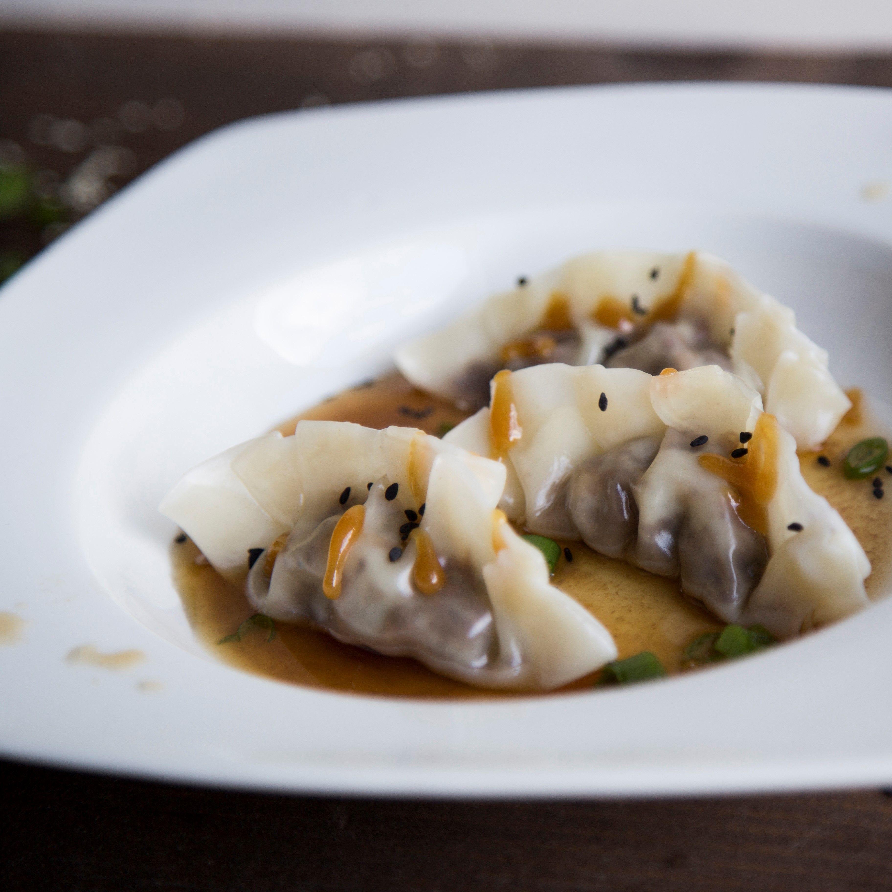 Concours de cuisine : Dumplings au canard confit à la bière Weizenbock de LTM et aux épices, bouillon léger à l'eau d'érable infusé à la vanille et caramel de Weizenbock  Par Tommy Dion, fondateur de Cuisinomane